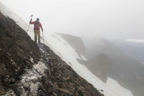 Querung im unteren Teil des Aufstiegs, ca 2350m