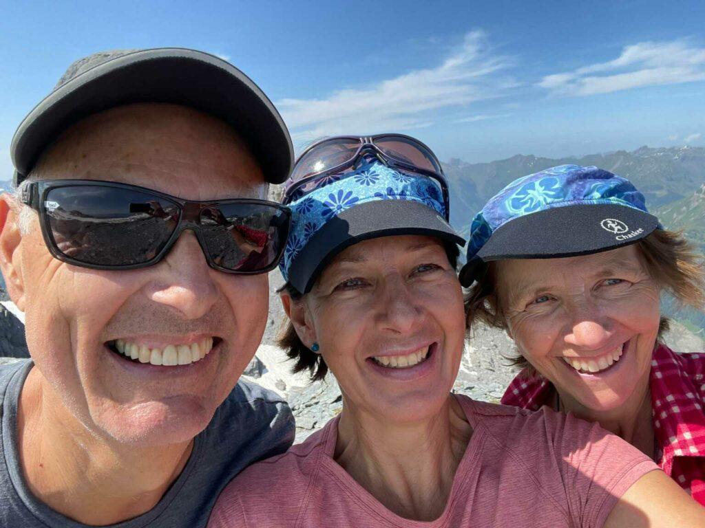 Happy auf dem Gipfel